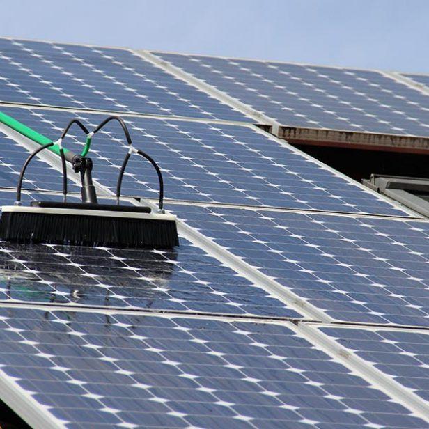zonnepanelen-schoonmaken